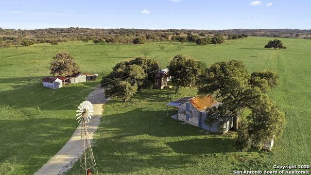415 Feller Hahn Rd, Fredericksburg, TX 78624 (MLS #1438866) :: Legend Realty Group
