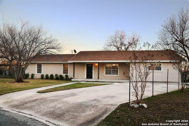 317 Studer Park, Uvalde, TX 78801 (MLS #1438874) :: Tom White Group
