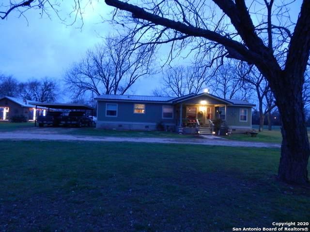 316 Brackenridge Ln, Seguin, TX 78155 (MLS #1439164) :: Carolina Garcia Real Estate Group