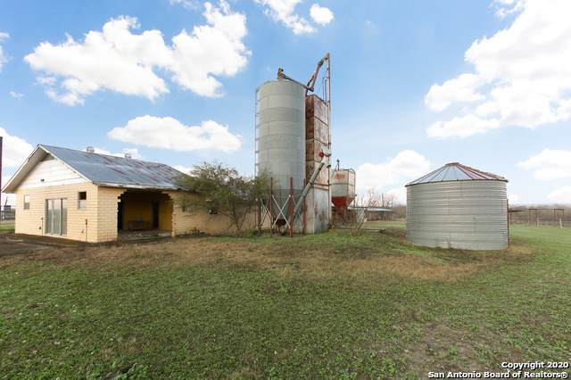 26 ACRES +/- Fm 471 - S, Natalia, TX 78059 (MLS #1439407) :: BHGRE HomeCity
