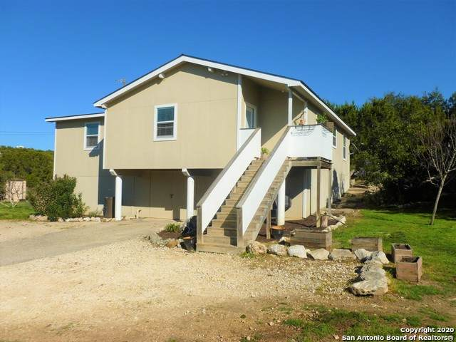 1576 Fm 3424, Canyon Lake, TX 78133 (MLS #1439612) :: BHGRE HomeCity
