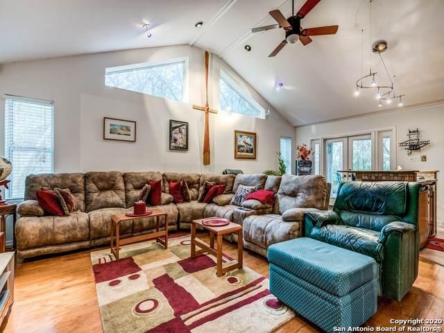 9611 Azalea Circle, Garden Ridge, TX 78266 (MLS #1439628) :: BHGRE HomeCity