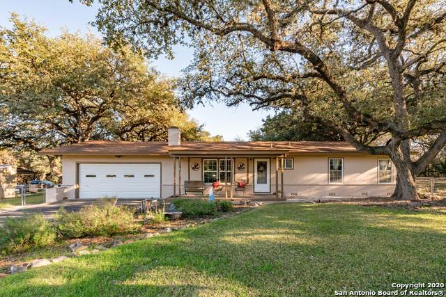 852 Edwards Blvd, New Braunfels, TX 78132 (MLS #1439743) :: The Mullen Group | RE/MAX Access