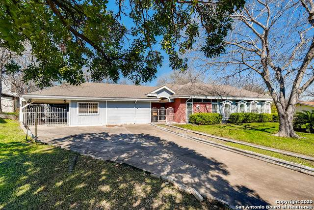 438 E Glenview Dr, San Antonio, TX 78201 (MLS #1439860) :: Exquisite Properties, LLC