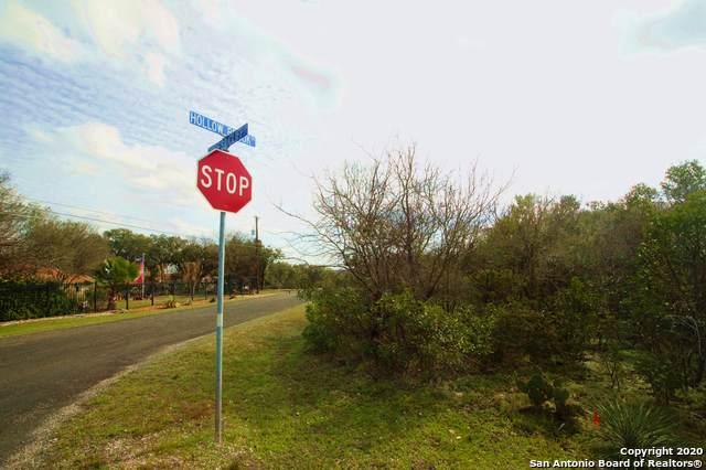 519 Hollow Brook, San Antonio, TX 78253 (MLS #1439984) :: The Glover Homes & Land Group
