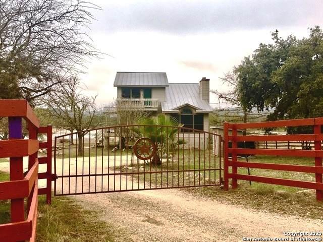 306 Kruse Lp, Lakehills, TX 78063 (MLS #1440586) :: The Gradiz Group