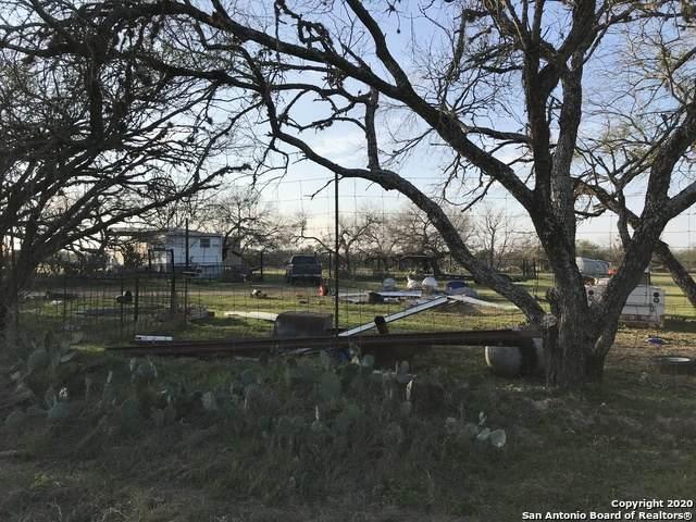 21193 Lamm Rd, Elmendorf, TX 78112 (MLS #1440803) :: BHGRE HomeCity