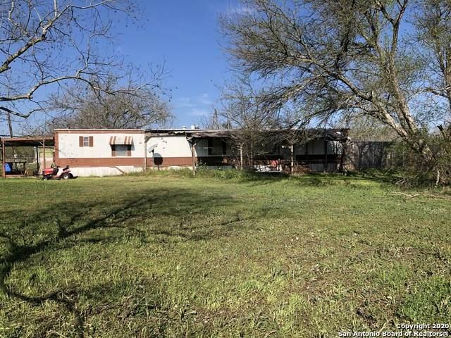 500 Westgate St, Seguin, TX 78155 (MLS #1440833) :: Reyes Signature Properties