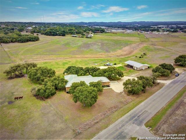 240 Marvil Lee Dr, Boerne, TX 78006 (MLS #1440918) :: Vivid Realty