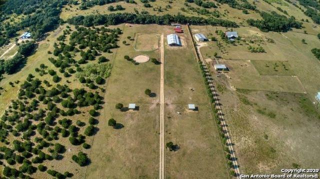1025 Hills Of Bandera Rd, Bandera, TX 78003 (MLS #1441016) :: Reyes Signature Properties