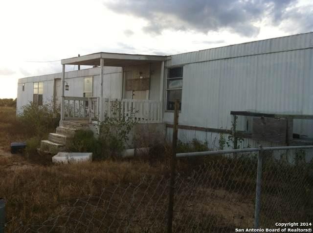 2033 Strawberry City Rd, Poteet, TX 78065 (MLS #1441070) :: The Castillo Group