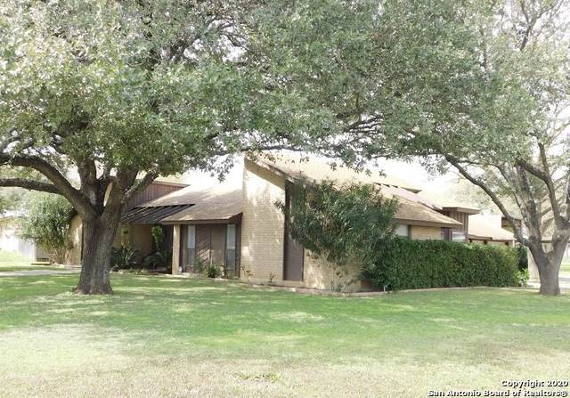 302 Jay Dr, Devine, TX 78016 (MLS #1441081) :: The Mullen Group | RE/MAX Access