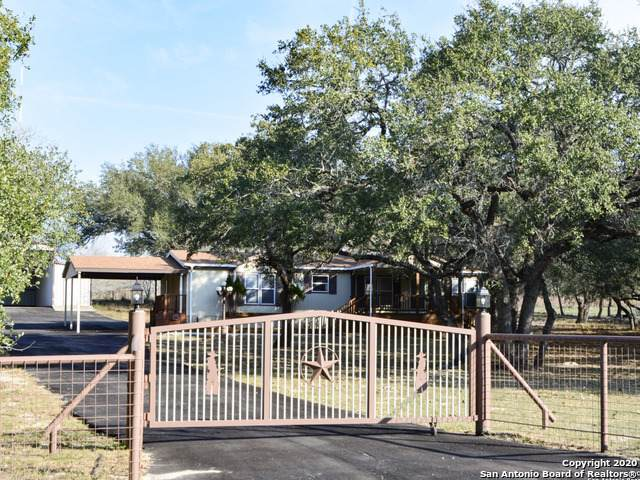 1218 Eagle Creek Dr, Floresville, TX 78114 (MLS #1441124) :: BHGRE HomeCity