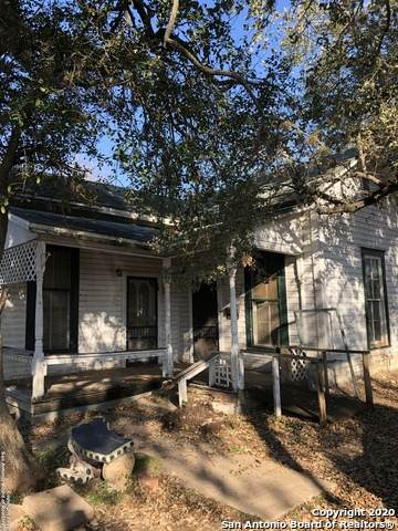 628 Jefferson Ave, Seguin, TX 78155 (MLS #1441139) :: The Mullen Group | RE/MAX Access