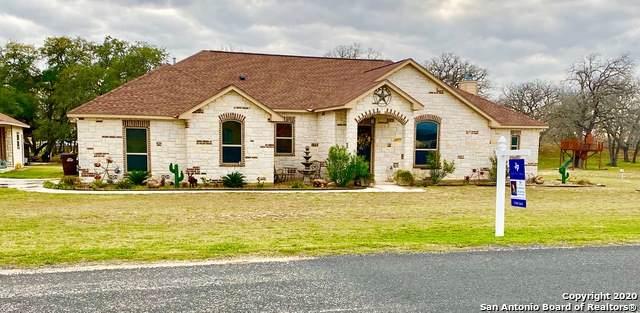 104 S Abrego Crossing, Floresville, TX 78114 (MLS #1441157) :: The Gradiz Group