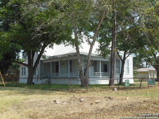 506 E Brazos St, Pearsall, TX 78061 (MLS #1441257) :: The Mullen Group | RE/MAX Access