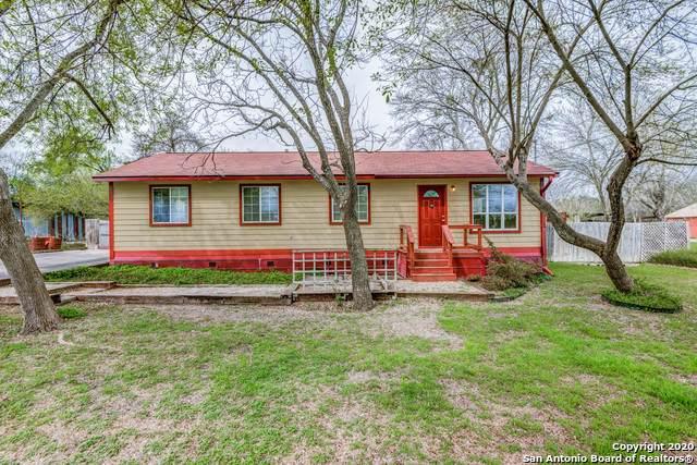 2272 Eastman Ave, New Braunfels, TX 78130 (MLS #1441409) :: BHGRE HomeCity