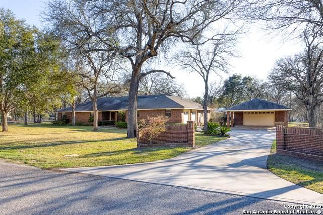 242 Deer Ridge Dr, La Vernia, TX 78121 (MLS #1441517) :: Maverick