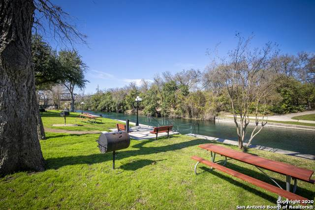 500 N Market St 302A, New Braunfels, TX 78130 (#1441915) :: The Perry Henderson Group at Berkshire Hathaway Texas Realty