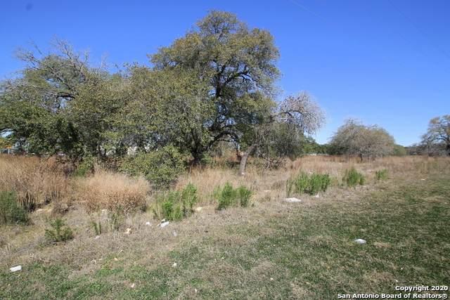 6810 Us Highway 181 N, Floresville, TX 78114 (MLS #1442147) :: Exquisite Properties, LLC