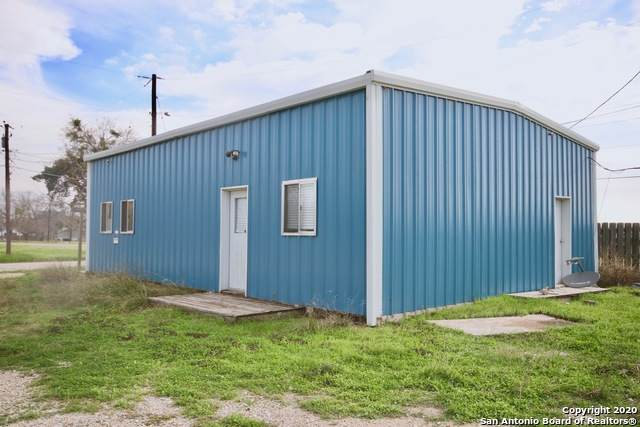 500 Douglas, Cuero, TX 77954 (MLS #1442697) :: The Gradiz Group