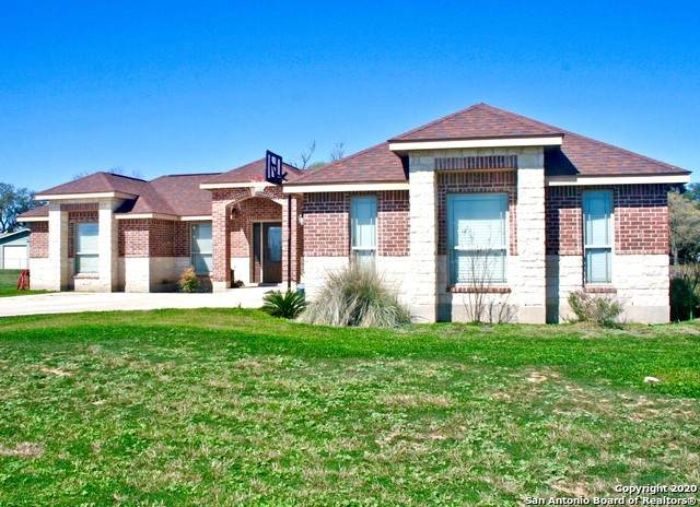 802 34TH ST, Hondo, TX 78861 (MLS #1442920) :: Alexis Weigand Real Estate Group