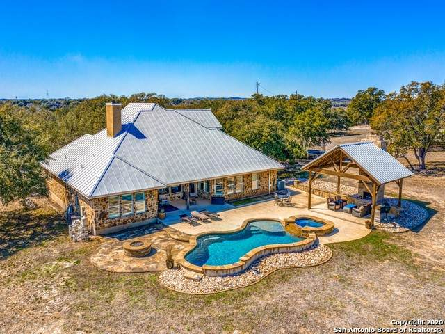 6721 Middle Creek Rd, Blanco, TX 78606 (MLS #1443089) :: Alexis Weigand Real Estate Group