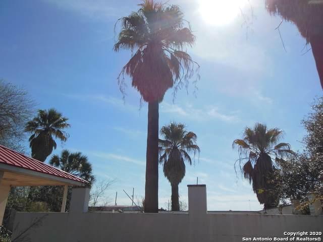 504 Berry Ranch Rd, Pearsall, TX 78061 (MLS #1443599) :: BHGRE HomeCity San Antonio