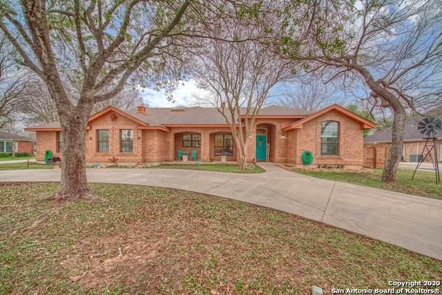 111 Montwood, Seguin, TX 78155 (MLS #1444728) :: Vivid Realty