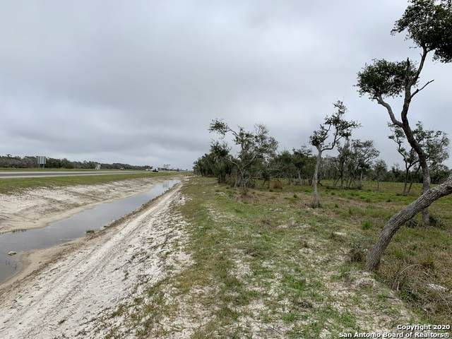 704 35 S Bypass, Rockport, TX 78606 (MLS #1444948) :: Berkshire Hathaway HomeServices Don Johnson, REALTORS®