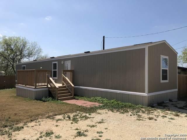 925 Ave H, Poteet, TX 78065 (MLS #1445075) :: The Heyl Group at Keller Williams