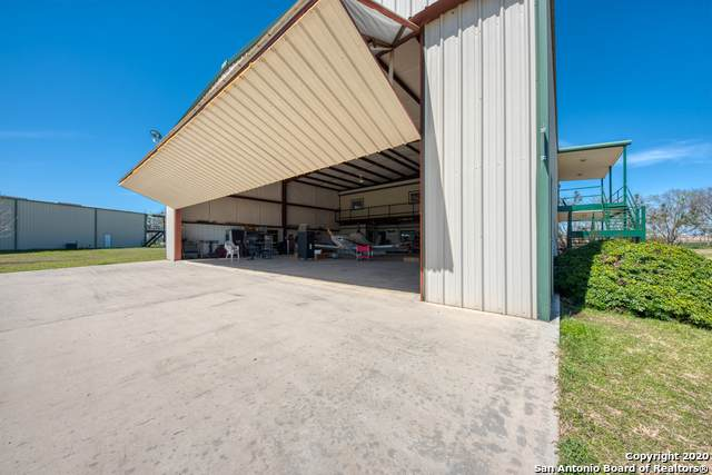 668 Plane Ln, Marion, TX 78124 (MLS #1445777) :: The Castillo Group