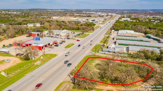 3013 W Junction Hwy, Kerrville, TX 78028 (MLS #1446283) :: Neal & Neal Team