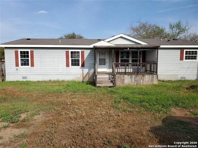 209 S Jamison Dr, Devine, TX 78016 (MLS #1446396) :: BHGRE HomeCity San Antonio