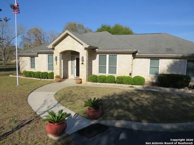 240 Saddle Ln, Floresville, TX 78114 (MLS #1446460) :: Maverick