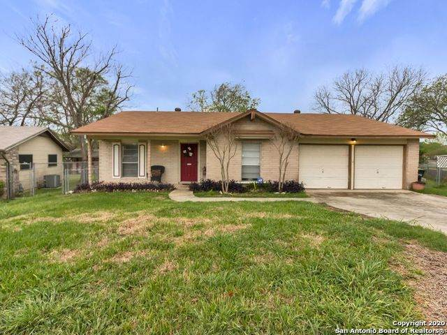 217 Regal Oaks Dr, Live Oak, TX 78233 (MLS #1447082) :: Concierge Realty of SA