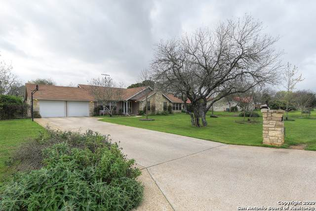 410 Windsor Ln, New Braunfels, TX 78132 (MLS #1447122) :: The Glover Homes & Land Group