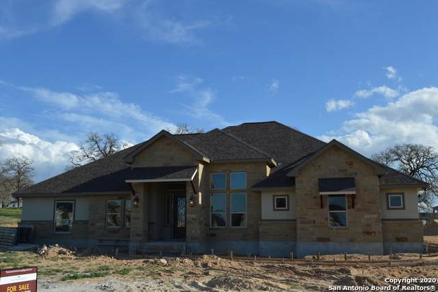 380 Abrego Lake Dr, Floresville, TX 78114 (MLS #1447761) :: The Gradiz Group