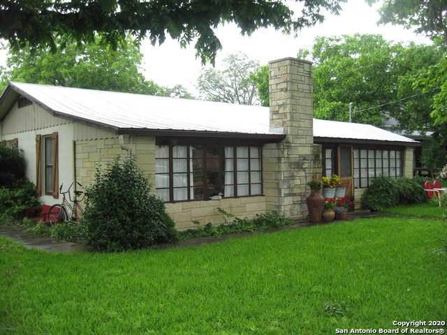 240 Schleicher Street, Boerne, TX 78006 (MLS #1447984) :: Tom White Group