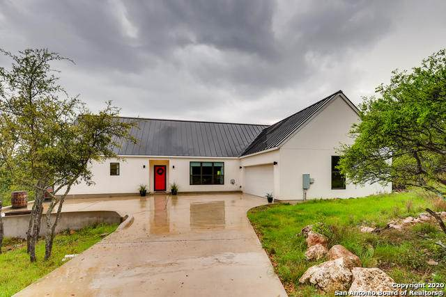 412 Shady Hollow, New Braunfels, TX 78132 (MLS #1448048) :: Reyes Signature Properties