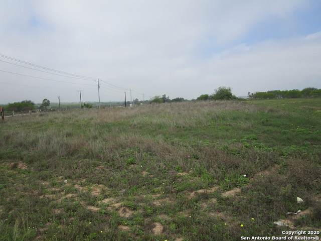 101 Carrizo Ranch Dr, Floresville, TX 78114 (MLS #1448130) :: Maverick