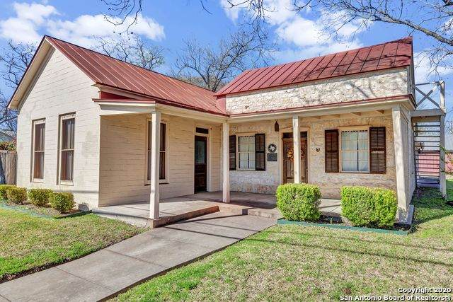 116 E Travis St, Fredericksburg, TX 78624 (MLS #1448185) :: BHGRE HomeCity San Antonio