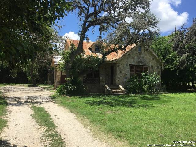 960 N School St, Boerne, TX 78006 (MLS #1448191) :: The Mullen Group | RE/MAX Access