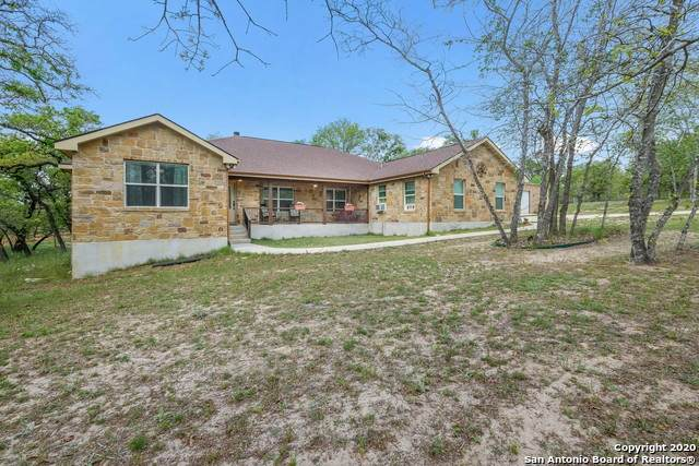 525 Enchanted Oak Dr, La Vernia, TX 78121 (MLS #1448265) :: Maverick