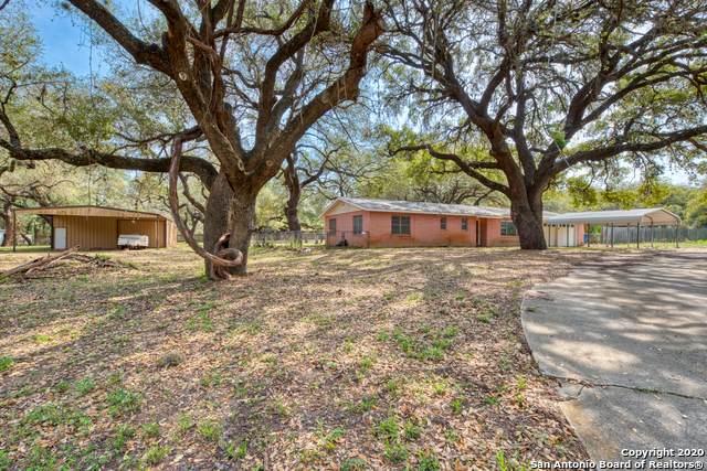 27 Crestline Dr, Pleasanton, TX 78064 (MLS #1448304) :: Vivid Realty