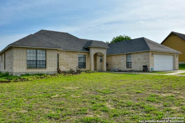 315 Edgehill, Pleasanton, TX 78064 (MLS #1448392) :: The Mullen Group | RE/MAX Access