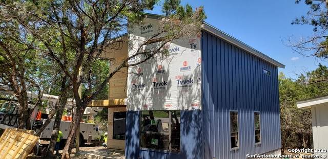 1237 Mountain View Dr, Canyon Lake, TX 78133 (MLS #1448682) :: Tom White Group