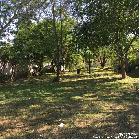 637 Avenue I, Poteet, TX 78065 (MLS #1448993) :: Carter Fine Homes - Keller Williams Heritage