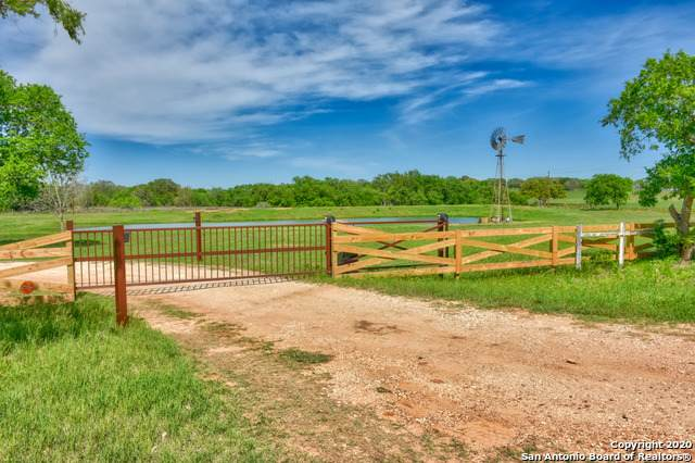 3145 County Road 401, Floresville, TX 78114 (MLS #1449308) :: Santos and Sandberg