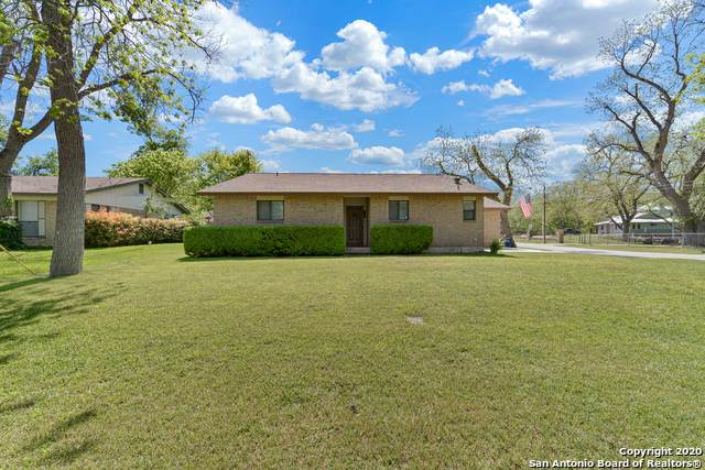 104 Trail Wood, New Braunfels, TX 78130 (#1449327) :: The Perry Henderson Group at Berkshire Hathaway Texas Realty